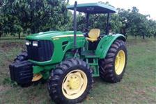 Trator John Deere 5078E 4x4 ano 11