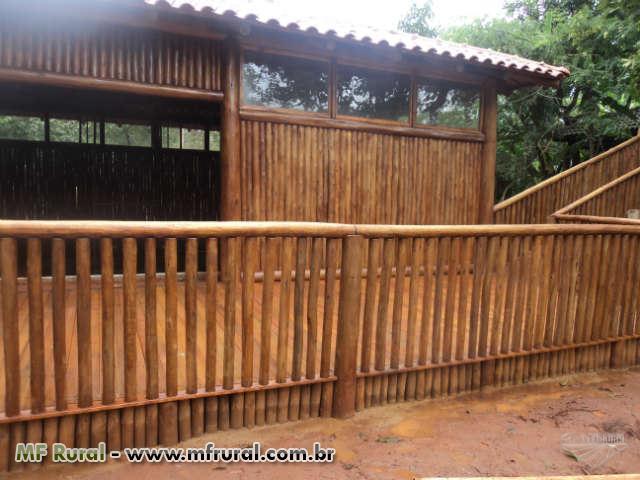 cerca de eucalipto tratado para jardimCercas de madeira eucalipto