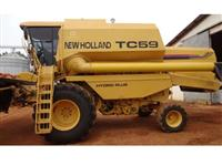 Colheitadeira New Holland TC 59 ano 2001