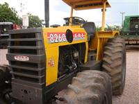 Trator CBT 8260 4x4 ano 87