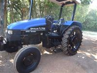 Trator Ford/New Holland 75e 4x2 ano 04
