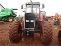 Trator Massey Ferguson 660 4x4 ano 02