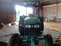 Trator John Deere 5605 4x2 ano 02