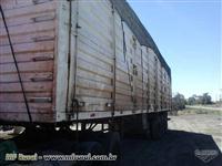 Carreta bau transporte cavacos e bagaço de cana