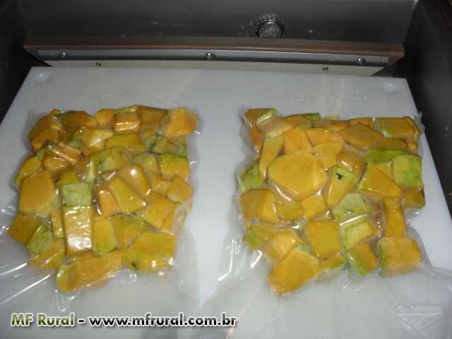 Mandioca In Natura - Mandioca Descascada - Mandioca embalada a vácuo