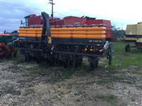 Plantadeira Valtra BP 1307 13 linhas ano 2014 sem uso