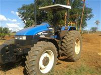 Trator Ford/New Holland TS 100 4x4 ano 03
