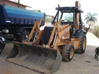 Retroescavadeira Case 580L Ano 2005
