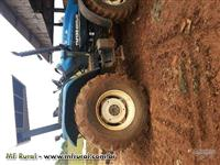 Trator Ford/New Holland TM 135 4x4 ano 00