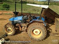 Trator New Holland TL 65 E  4x4 - Ano 2002
