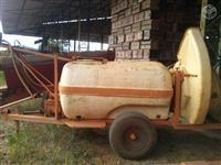 Pulverizadora jacto arbus 850,2000 lts