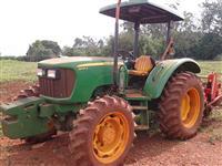 Trator John Deere 5055 4x4 ano 12
