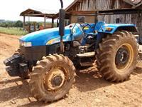 Trator Ford/New Holland TT 3840 (Excelente Estado!) 4x4 ano 11