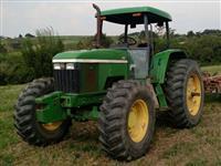 Trator John Deere 7500 (Câmbio Power Quad - Revisado!) 4x4 ano 01