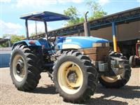 Trator Ford/New Holland TT4030 4x4 ano 10