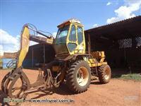 Trator Carregadeiras BM85 4x4 ano 07