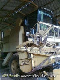 vende-se colheitadeira NEW HOLLAND NH 1530