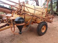 PULVERIZADOR AGRICOLA MARCA JACTO MODELO A17 2000 LITROS