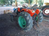 Trator Agrale 4200 4x2 ano