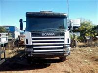 Caminh�o  Scania P124 420 6x4   ano 06