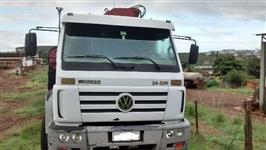 Caminhão  Volkswagen (VW) 24220 Worker 6x2  ano 06