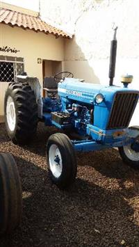 Trator Ford/New Holland 6600 4x2 ano 77