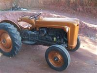 Trator Ford/New Holland Modelos 4x2 ano 54
