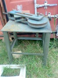 Curvadora de tubos manual Reforçada