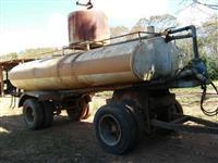 Pipão de 14 mil litros reforçado para incêndio com bomba de alta pressão