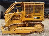 Trator de Esteira CAT D4