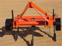 Arado Subsolador 03 Hastes com Roda