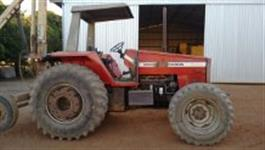 Trator Massey Ferguson 640 4x4 ano 95