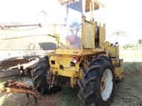 Trator Carregadeiras valmet 88 serie prata 4x2 ano 85