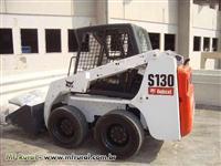 Locação de mini pa carregadeira bobcat s130
