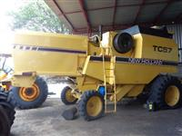 Colheitadeira New Holland TC 57 ano 98