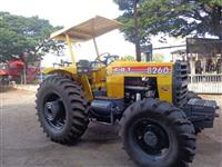 Trator CBT 8260 4x4 ano 90