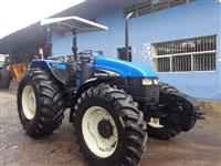 Trator Ford/New Holland TS 100 4x4 ano 02