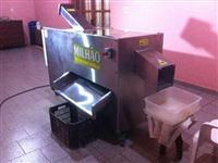 Maquina de descascar milho verde