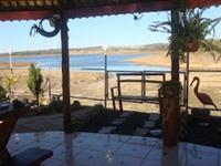 Lindo Sitio para lazer e descanso com quiosque na beira do lago