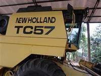 Vende-se colheitadeira TC 57 ano 1998