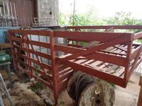 Carroceria para transporte de cavalo (F1000)