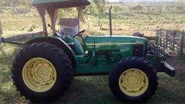 Trator John Deere Modelos 4x4 ano 09