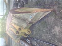 Concha Trapezoidal para PC200 Thorco