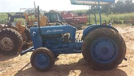 Trator Ford/New Holland 8 BR 4x2 ano