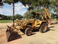 Retroescavadeira Case 580 H