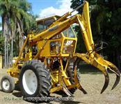 Trator Carregadeiras Motocana 4x2 ano 85