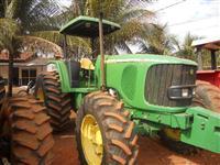 Trator John Deere 6615 4x4 ano 08