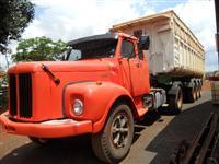 Caminhão  Scania L 111 S  ano 81