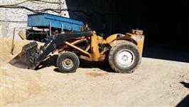 Trator Carregadeiras massey fergusson 4x4 ano 80