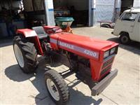 Trator Agrale 4200 4x2 ano 80